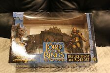 LORD OF THE RINGS TOYBIZ SHARKU WARG BEAST DELUXE BEAST AND RIDER SET NEW USA