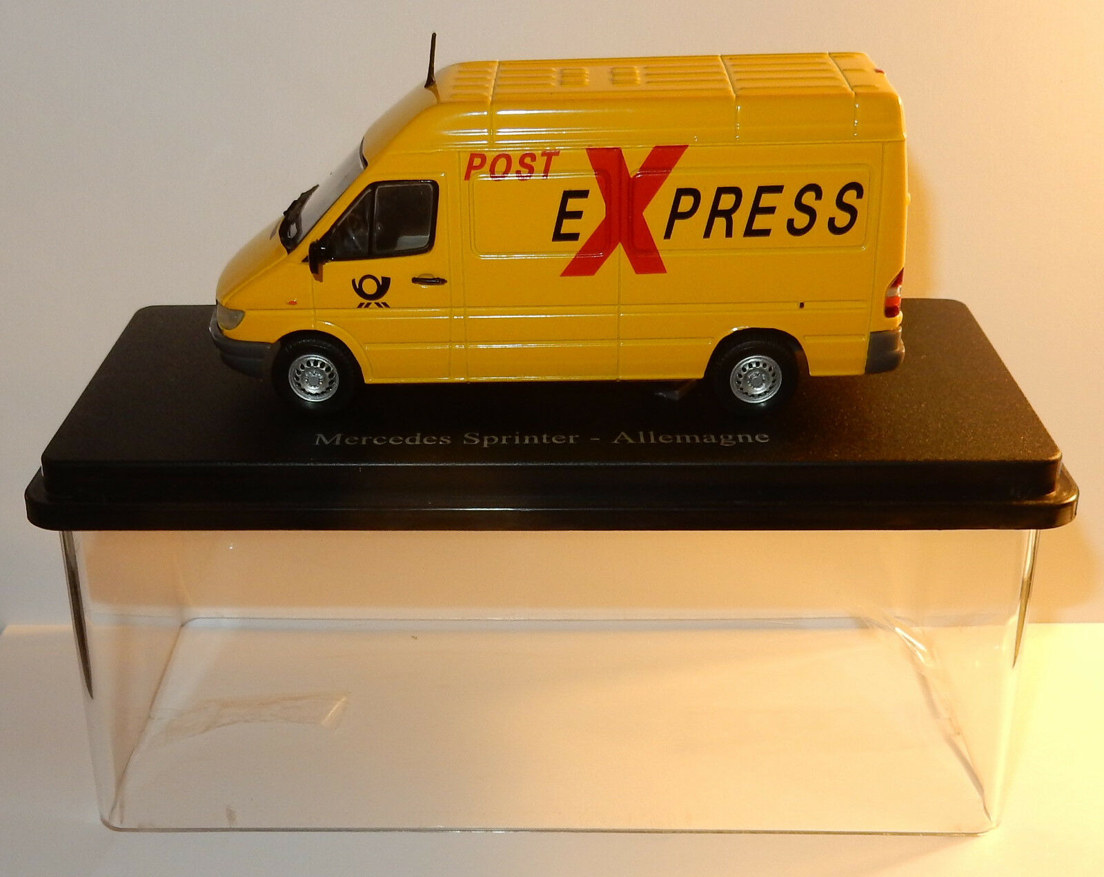ELIGOR MB MERCEDES VAN   WAGON SPRINTER GERMAN POST EXPRESS POSITION PTT 1 43