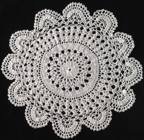 """DOILY WHITE HAND CROCHETED LARGE DOILEY DOILIE TABLE CENTRE 13"""" 33CM"""