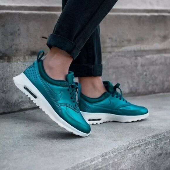 Nike Air Max Thea SE Women's (Size 6.5) Metallic Dark Sea 861674 901 Blue Green