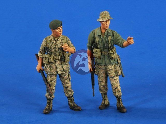 with 2 figures Resin HF083 Hobby Fan 1//35 Aircat Airboat base water