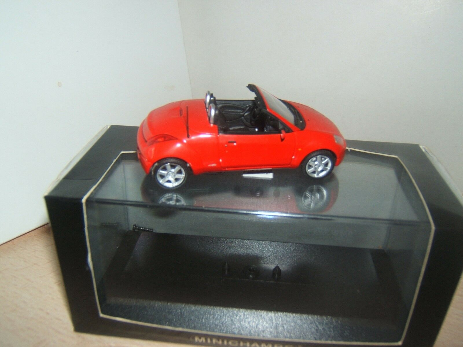 FORD  STREETKA  CABRIOLET  MINICHAMPS  1 43
