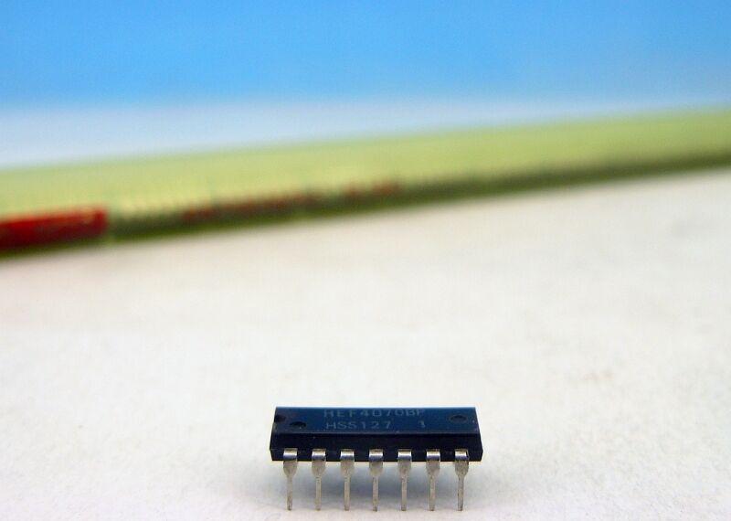 2 x HEF4070BP Quadruple EXCLUSIVE-OR Gate Philips DIP-14 2pcs