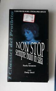 VHS-non-stop-sempre-buio-in-Sala-Regia-di-Arduino-sacco-con-Paola-Senatore