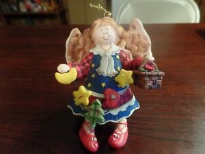 4-034-Tall-Resin-Angel-W-Basket-Star-Tree-Moon-amp-Heart-Christmas-Ornament-4725