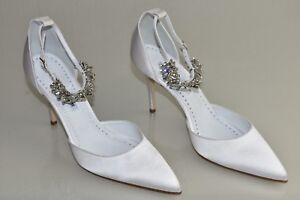 3a9611139cf727  1045 NEW Manolo Blahnik Sicariata White Satin Pumps Jeweled Shoes ...