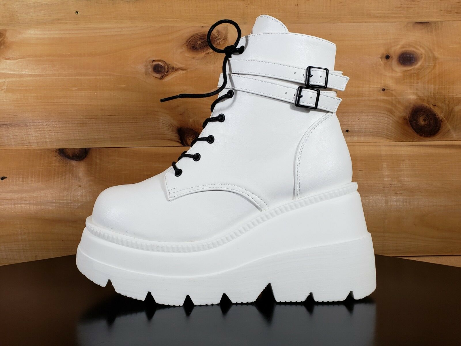 Demonia Demonia Demonia Shaker 52 Weiß Platform 4.5  Wedge Heel Ankle Stiefel Größes 8 11 & 12 2a99e3