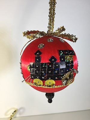 """/""""Red Striped Satin Ball Trio/""""  beads ornament kit makes 3  NEW"""