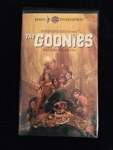 The Goonies Vhs 1994 Clam Shell Spielberg 1985 Richard Donner Film 85391327530 Ebay