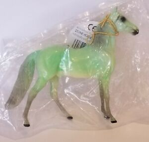 Peter-Stone-Chips-Glossy-Jade-Green-Morgan-Model-Horse-Stablemates-Scale