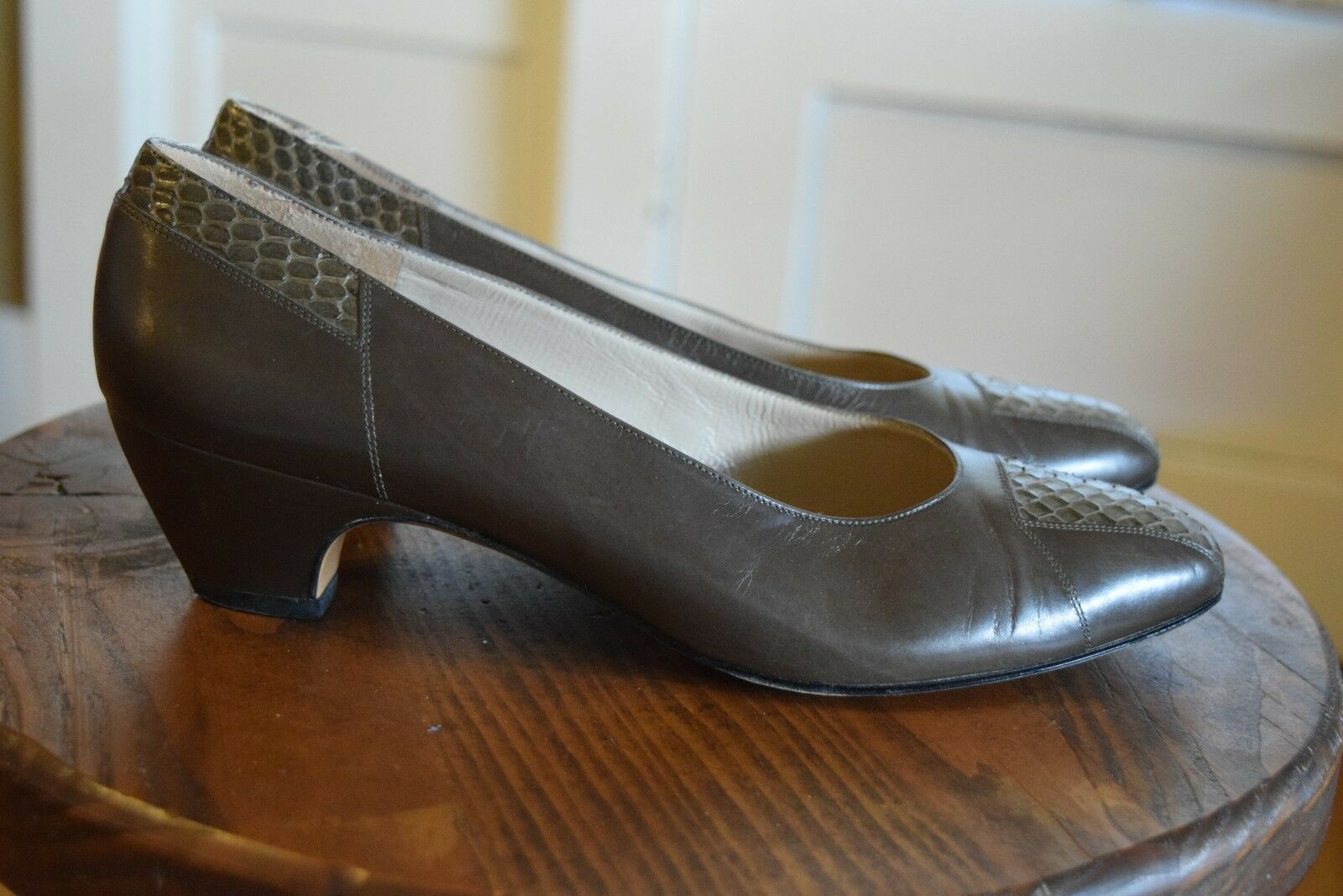 Vintage Salvatore Ferragamo Brown Snakeskin Heels Pumps shoes Women's 8B