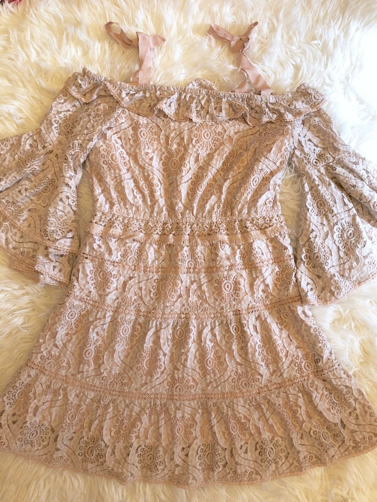 Foxiedox Foxiedox Foxiedox Lace Bell Sleeve Dress Size XL cbda15