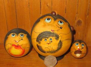BALL-Hedgehog-Family-Nesting-Russian-Dolls-Matryoshka-3-SMALL-Semyonova-signed