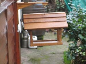 feed Table with support bracket to mount to fence post or wall - Droitwich, United Kingdom - feed Table with support bracket to mount to fence post or wall - Droitwich, United Kingdom