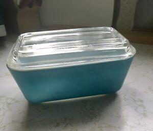 Vintage Pyrex 502B w/502C lid, Blue w/clear lid. USA
