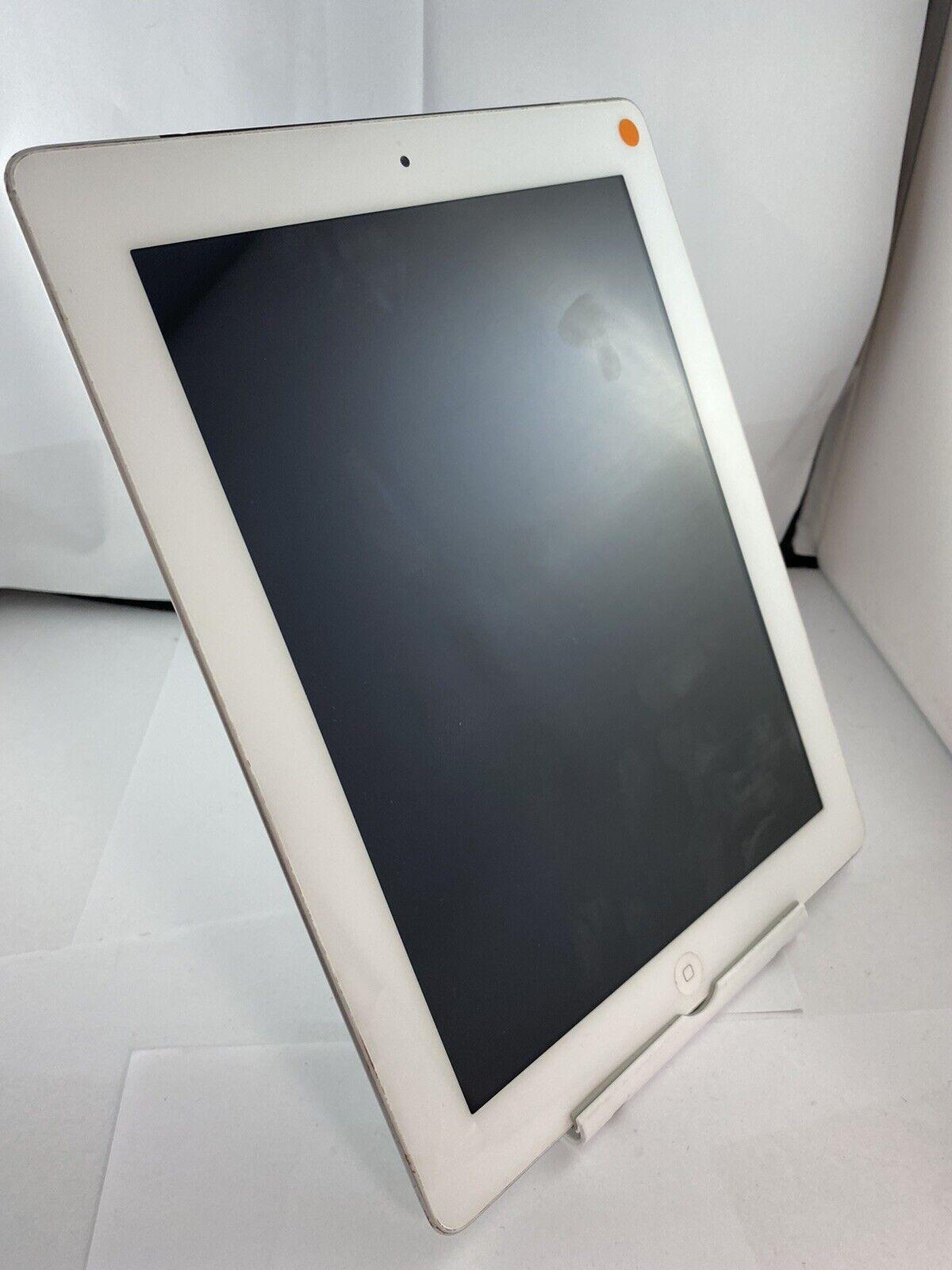 iPad: Apple iPad 2 A1396 Unlocked 16GB Silver IOS Tablet Grade B