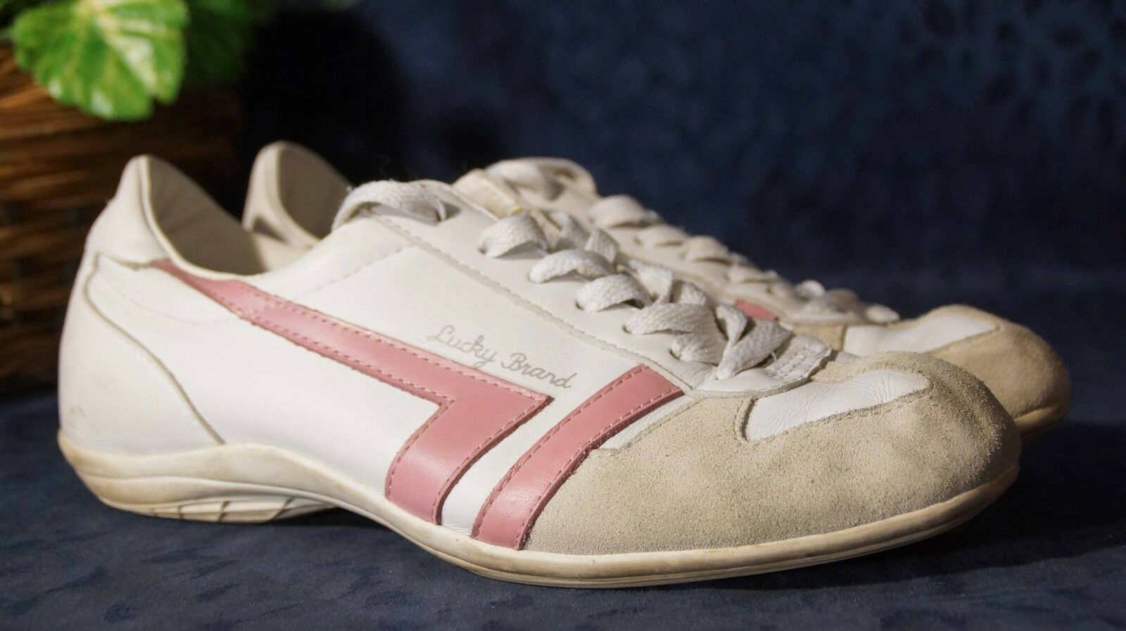 Attractive White Pink Beige LUCKY BRAND Fashion Sneakers Sz 8.5