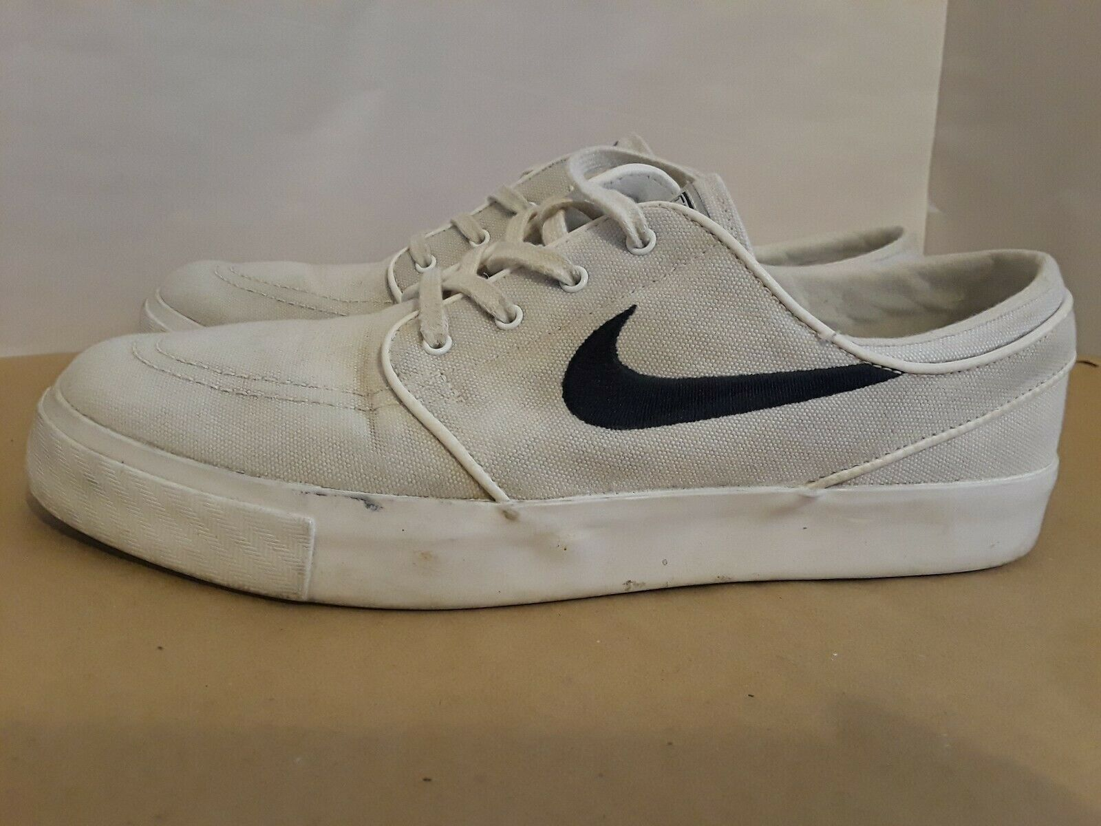 salario sinsonte Adversario  Nike SB Zoom Stefan Janoski Canvas Skate Shoes Mens 7 All White for sale  online | eBay