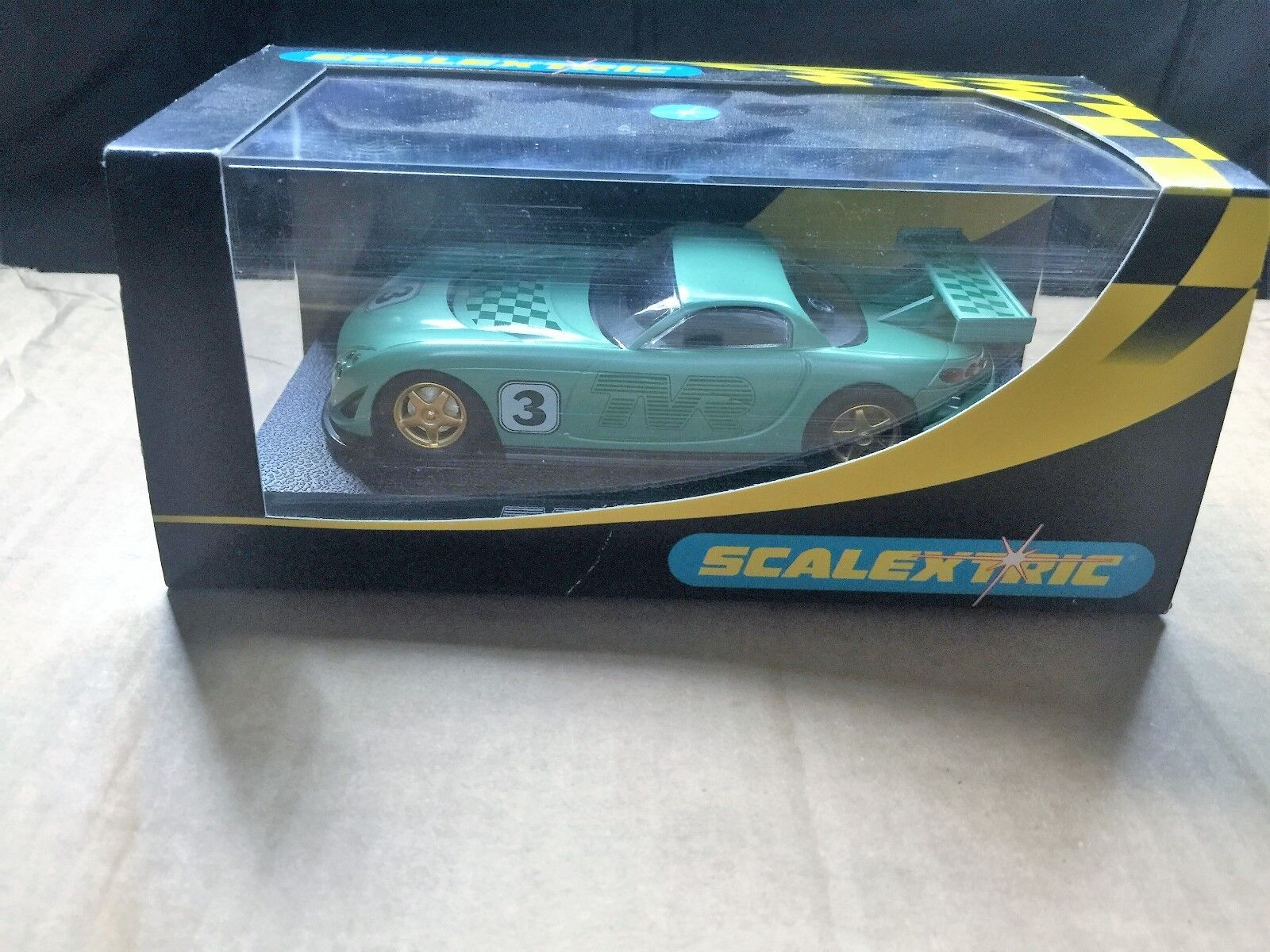 SCALEXTRIC M B COLLECTORS CENTRE GREEN TYR REF C2247