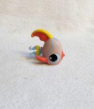 LITTLEST PETSHOP #884 HASBRO FISH POISSON SCALAIRE ROSE BLEU JAUNE YEUX BLEU