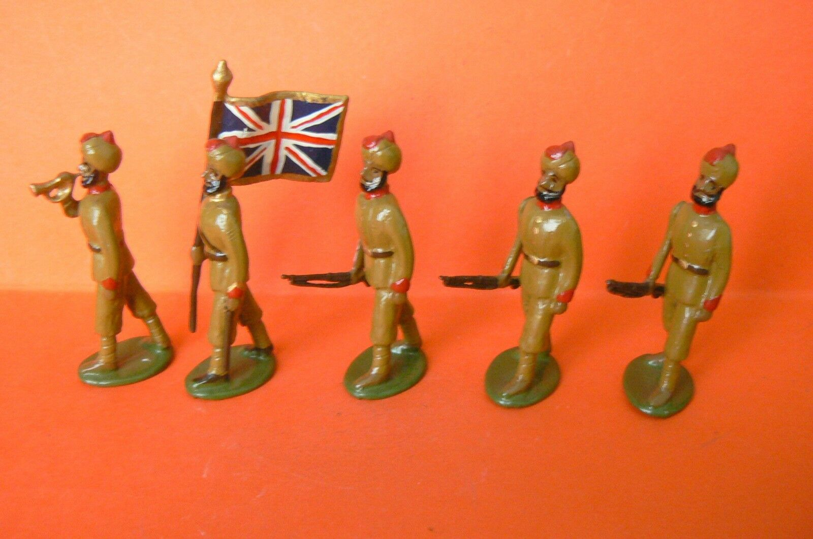 DORSET   BEAUTIFUL SET OF 5 SOLDIERS OF THE ARMY INDIES
