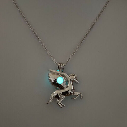 Women/'s Glowing cheval volant Licorne Oyster Pearl Cage Médaillon Collier Pendentif