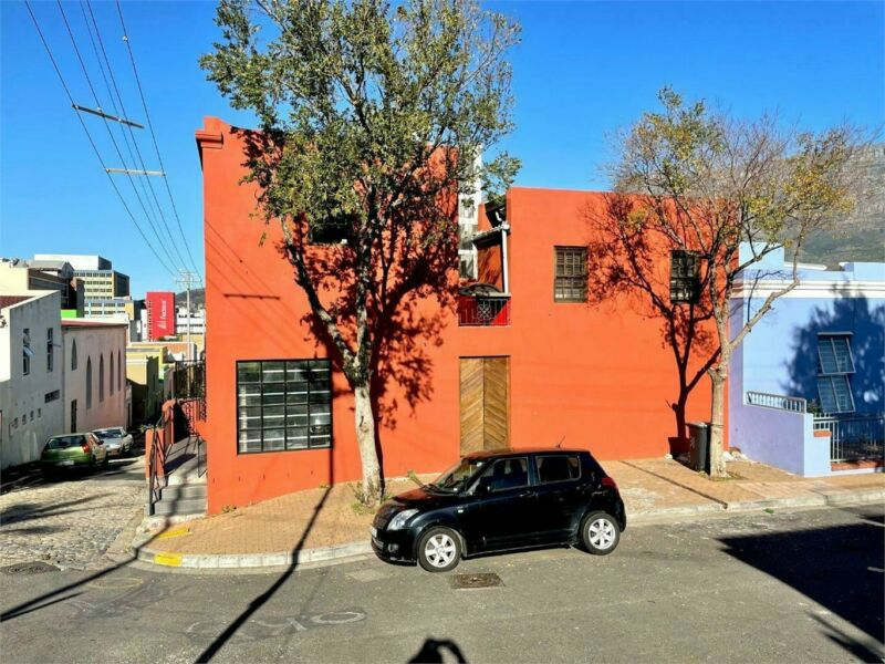 Iconic investment home in colourful Bo-Kaap