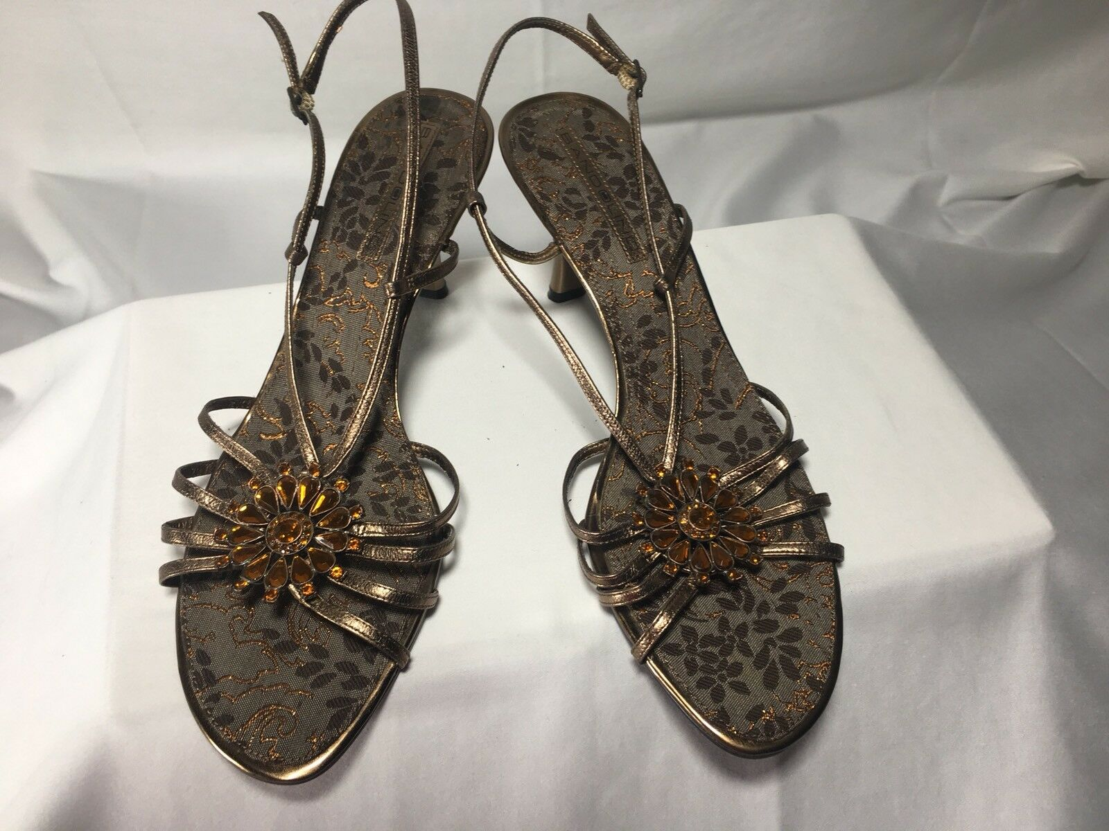 Leather BANDOLINO strappy beaded dress Sandals SZ 81 2 Preowned Gently Worn
