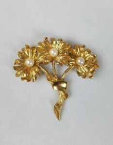 Vintage-brooch-pin-flower-bouquet-gold-tone-mid-century