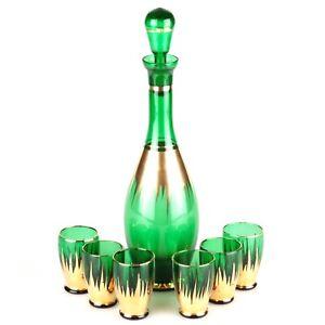 Likoerset-Likoerglaeser-6-Schnapsglaeser-gruen-Flasche-Karaffe-Gold-Dekor-Strahlen
