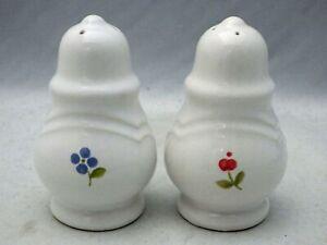 Pfaltzgraff-Garland-pattern-Salt-and-Pepper-shaker-set-4-034-tall-EUC-1991