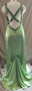 THE COOL COLLECTION Formal Homecoming Prom Dress / Gown Sz. 6 Beautiful Green