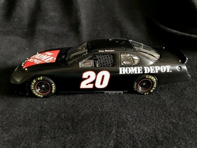 2004 Tony Stewart Home Depot   Test Car Monte Carlo Elite 1 24