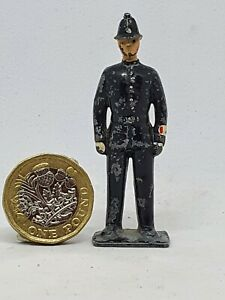 1908-Britains-54mm-hollow-cast-lead-City-of-London-Policeman-figure-from-Set-168