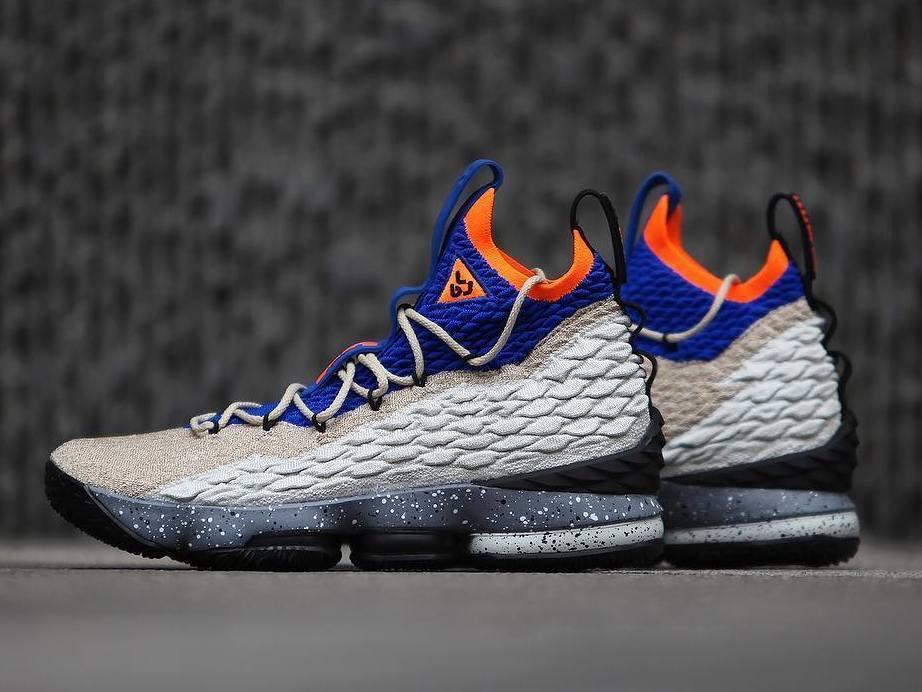 Nike LeBron QS 15 XV KSA Mowabb QS LeBron Size 10.5. AR4831-900 kith ghost fieg b7cb27
