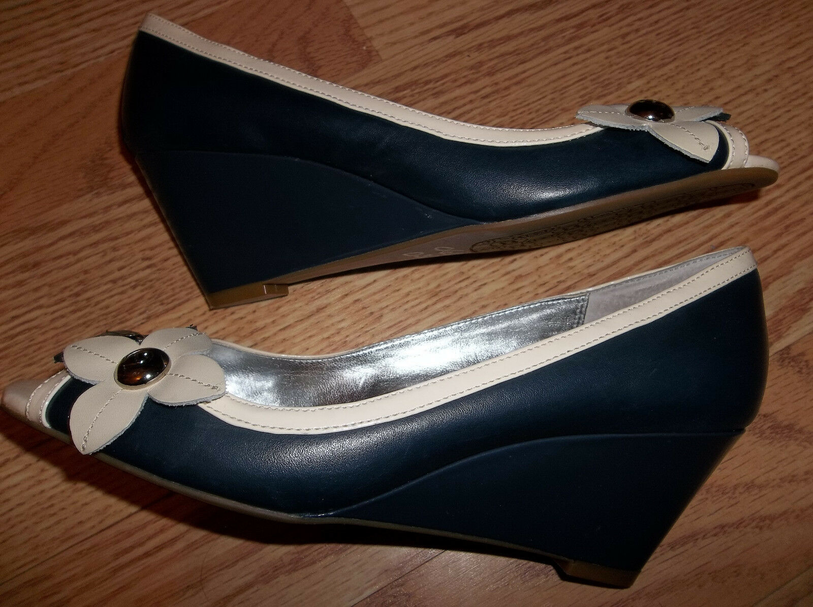 Etienne Aigner Pacific damen Größe 6m 6m 6m Leather Wedges Heels schuhe No Box 447962