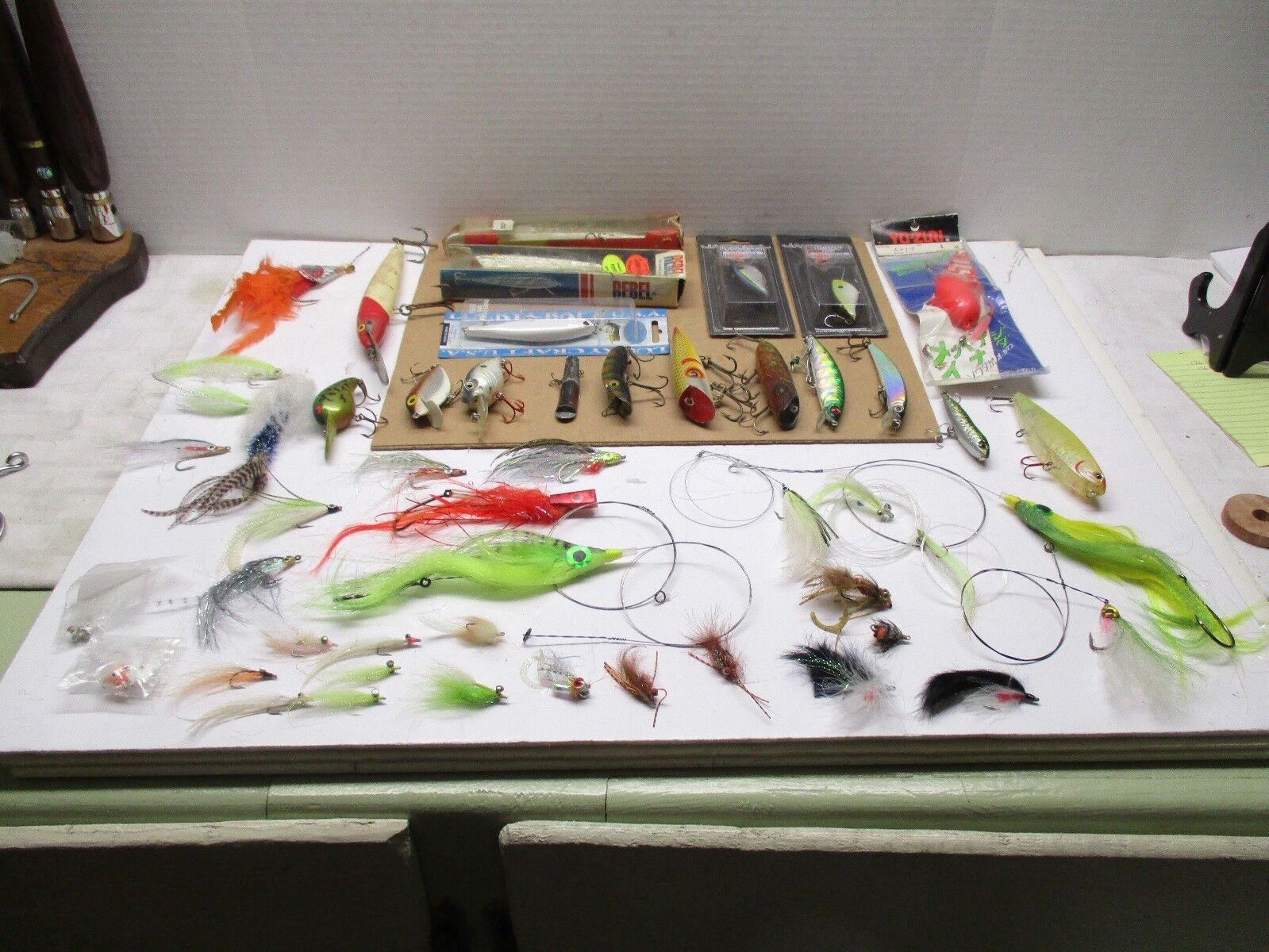 VINTAGE LURE & MORE SET OF 51 BASS LURES    stadium giveaways