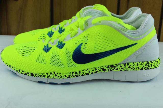 NIKE WOMAN FREE 5.0 TR FIT WC Size: 12.0 RUNNING NEW COMFORTABLE VOLT