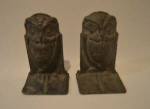 Hubley-Antique-Art-Deco-Cast-Iron-OWL-Standing-On-Book-Bookends