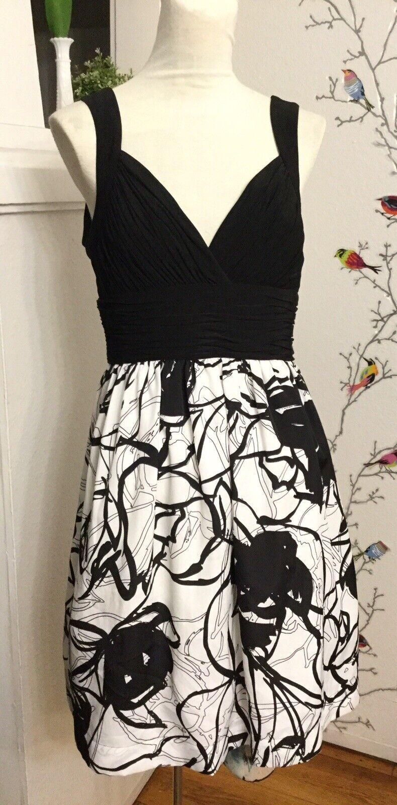 MAX AND CLEO BCBG Cocktail Dress, Weiß & schwarz, Sleeveless Sz. 4