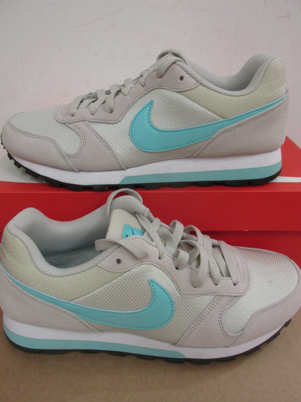 Nike femme MD Runner 2 Baskets 749869 034 Baskets Chaussures De Dégagement
