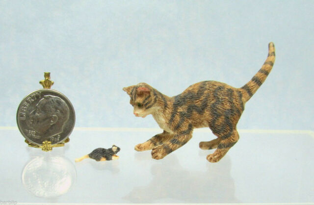 Dollhouse Miniature or Fairy Garden Brown Striped Cat & Mouse