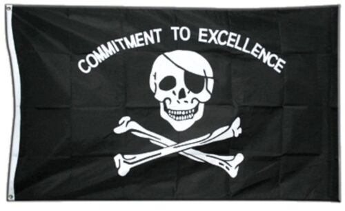 Fahne Pirat Commitment to excellence Flagge Piraten Hissflagge 90x150cm