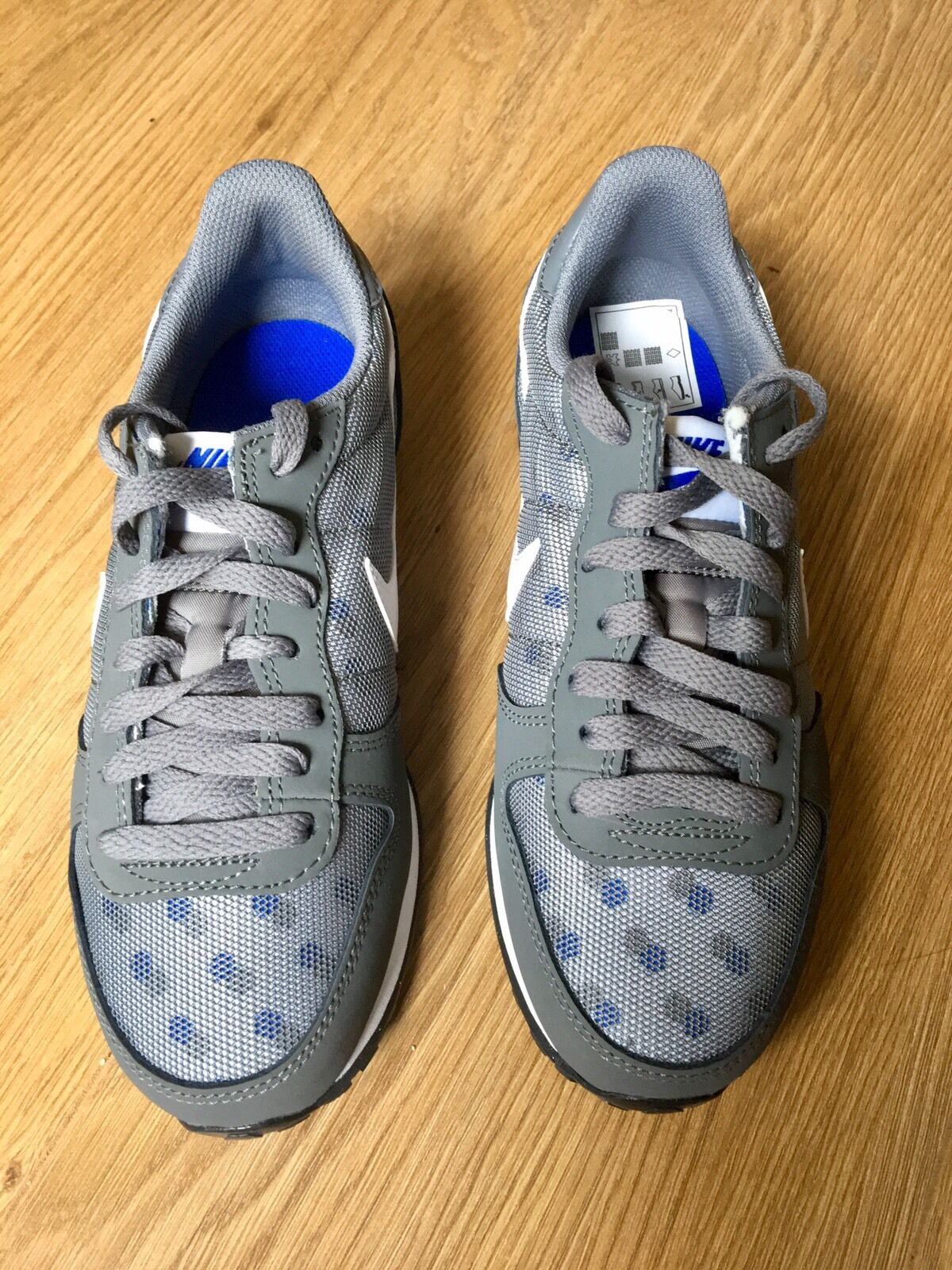Nike Ladies Gennico Print Trainers. Brand New. UK Comfortable Cheap women's shoes women's shoes