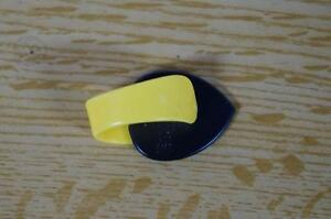 Fred Kelly Bumblebee Pick - Teardrop Large Extra Heavy VL0fdWSK-08133527-282585012