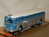 Mth 30-50016 Greyhound Silver Blue White Die-cast Bus omaha Mint C10