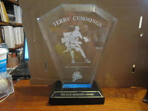 Terry-Cummings-Golden-State-Warriors-Most-Inspirational-Player-1999-trophy-sig