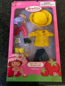 Vintage Strawberry Shortcake Berry Wear Doll Outfit Raincoat And Accessories Nib Ebay