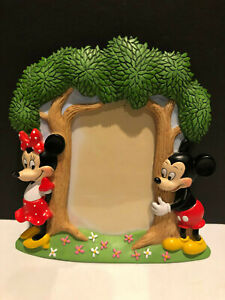 Walt-Disney-Mickey-Mouse-amp-Minnie-Tree-3-D-Picture-Frame-3-034-x-5-034-photo