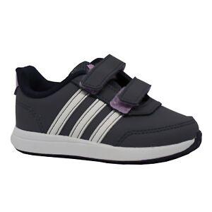 scarpe adidas bimba con strappi